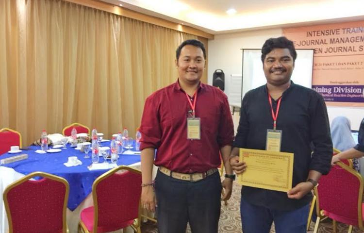 Pusat-Pengelolaan-Jurnal-Universitas-mengikuti-kegiatan-Intensive-Training-Open-Journal-System-di-Semarang.html